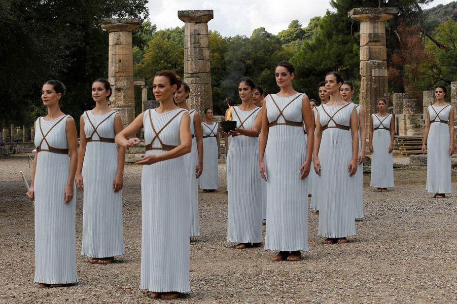 Comme le veut la tradition, la flamme olympique a été allumée en Grèce ce mardi