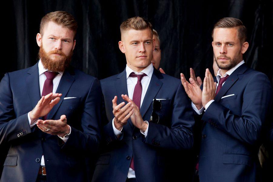 De gauche à droite : Aron Gunnarsson, Alfred Finnbogason et Gylfi Sigurdsson