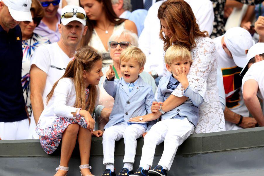 Myla, Charlene, Lenny et Leo, les enfants de Roger Federer, à Wimbledon, le 16 juillet 2017.