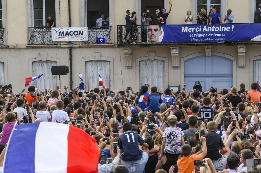 La foule réunie à Mâcon pourAntoine Griezmann