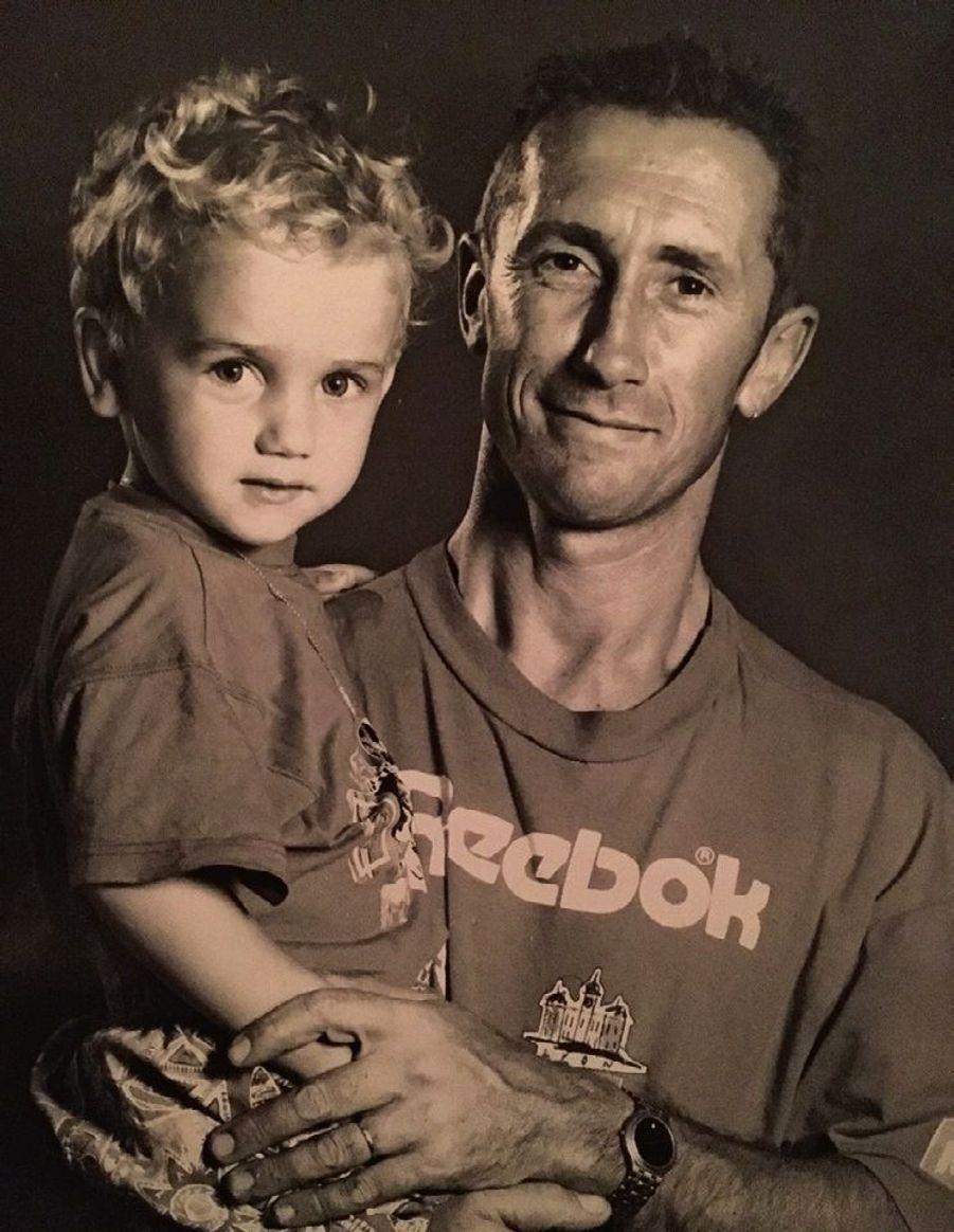 Quand son papa l'appelait « mon petit diable » : il a 4 ans.