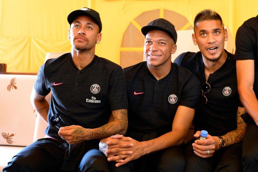 Neymar, Kylian Mbappé etAlphonse Areola.