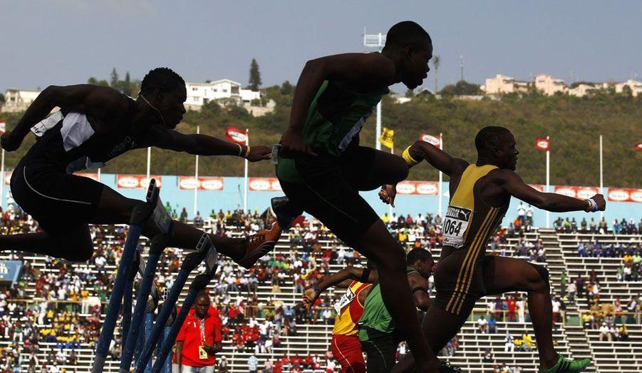 En Jamaïque, les championnats inter-secondaires d'athlétisme sont l'occasion de découvrir les champions de demain. C'est de ce genre de compétitions que sont issus Asafa Powell et Usain Bolt.