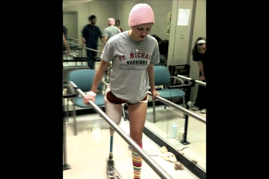 A 14 ans, au début de sa rééducation au centre de cancérologie MD Anderson, à Houston (Texas), en 2010.