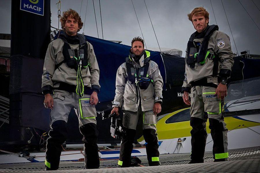 Team Trimaran Macif:Skipper: François GabartCo-skipper: Gwénolé GahinetMediaman: Jérémie Eloy