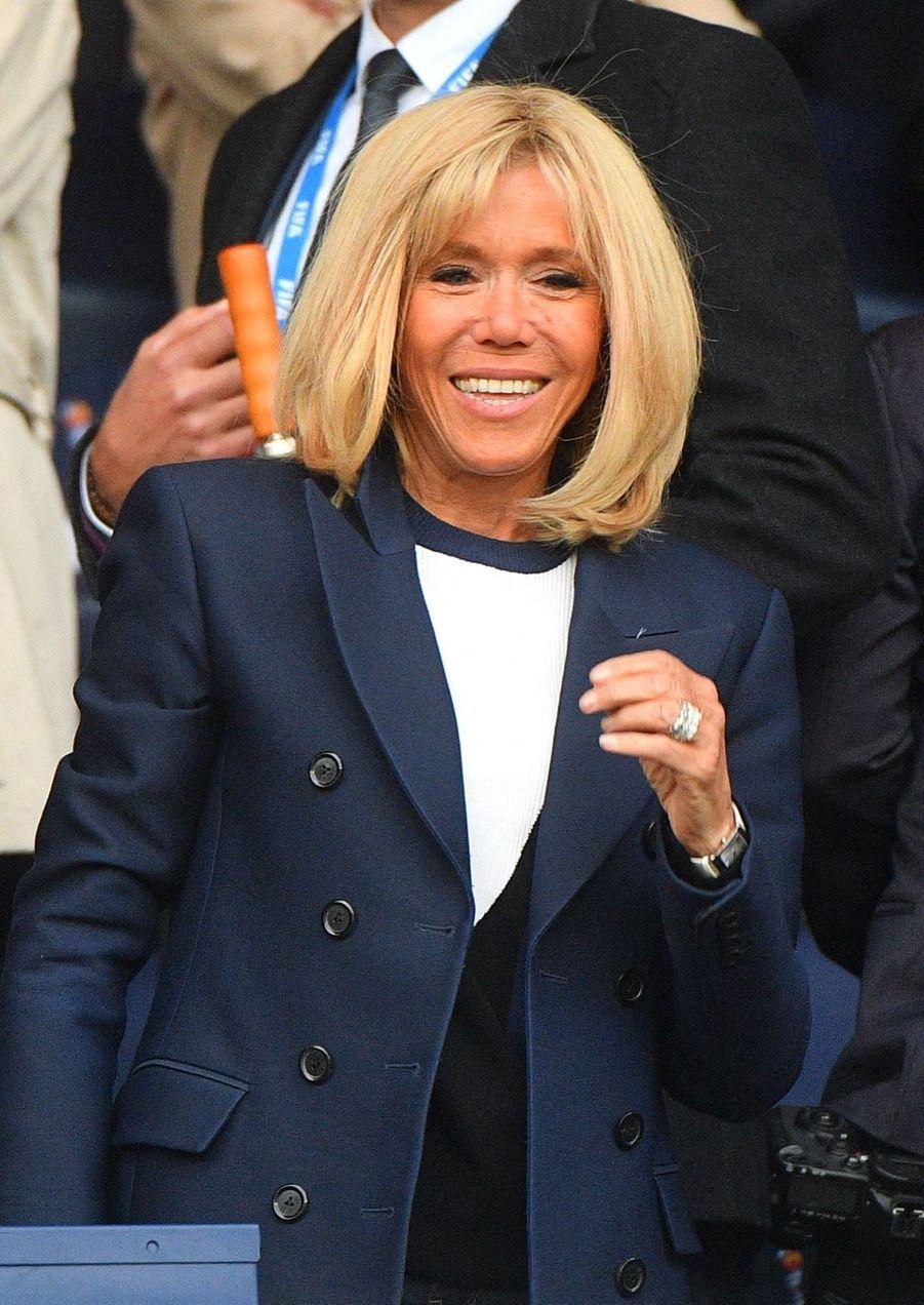 Brigitte et Emmanuel Macron ont assisté à la victoire des Bleues contre la Corée du Sud (4-0) en match d'ouverture du Mondial féminin.