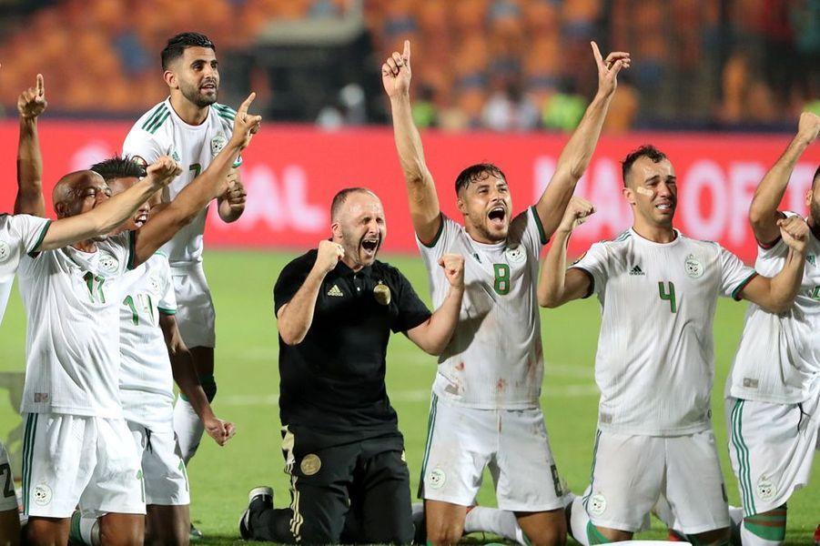 La joie des joueurs algériens au coup de sifflet final.