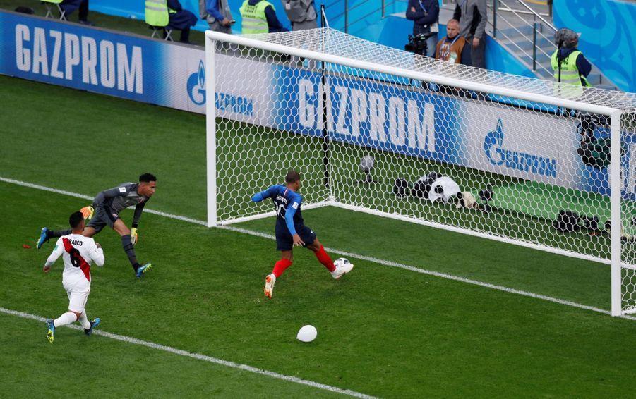 Coupe Du Monde 2018: France Pérou En Photos 25
