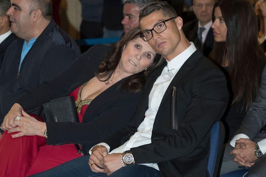 Cristiano Ronaldo et sa mère Maria Dolores dos Santos Aveiro.