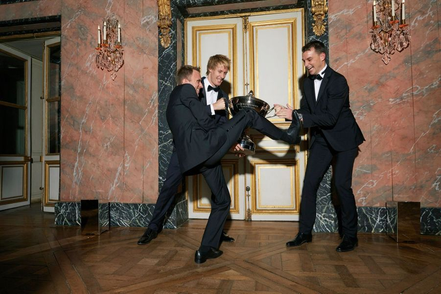 Timo Bernhard, Brendon Hartley et Earl Bamber, champions d'endurance.