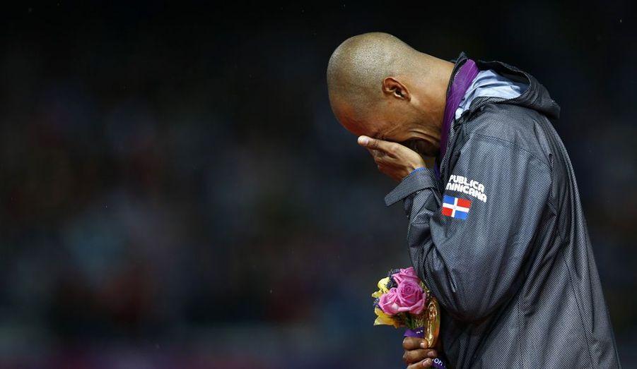 Les larmes du trentenaire Félix Sanchez ont ému le monde entier. Cette victoire il la voulait, pour lui, pour sa famille, mais surtout pour sa grand-mère, morte lors des Jeux de Pékin, quatre ans auparavant. Une belle revanche pour ce Dominicain, que personne ne croyait capable de revenir à son meilleur niveau.