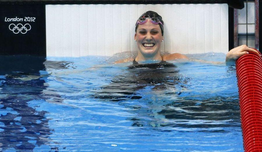Les cinq médailles de la nageuse Missy Franklin (quatre titres olympiques sur 100 et 200 mètres dos, 4x200 mètres nage-libre, 4x100 mètres quatre nages et une médaille de bronze sur le 4x100 mètres nage libre) ont mis du baume au coeur des habitants de la ville d'Aurora, théâtre d'une dramatique fusillade le 19 juillet dernier. Cette jeune fille de 17 ans semble déjà sur les traces de Michael Phelps, sur qui elle prend exemple. Elle possède même quelques longueurs d'avance, car à son âge, Phelps ne possédait encore aucune médaille olympique.