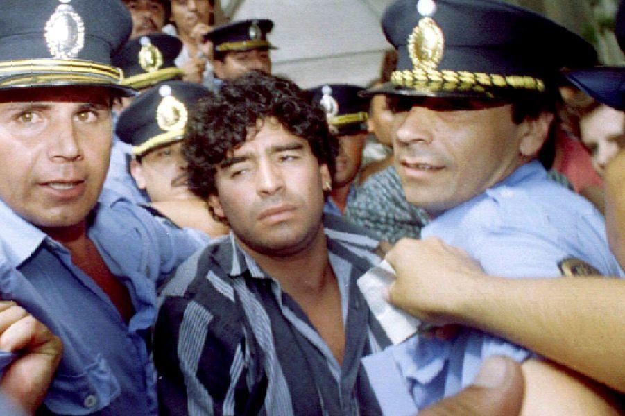 Photo prise en 1994 alors qu'il était suspendu pour usage de drogues.