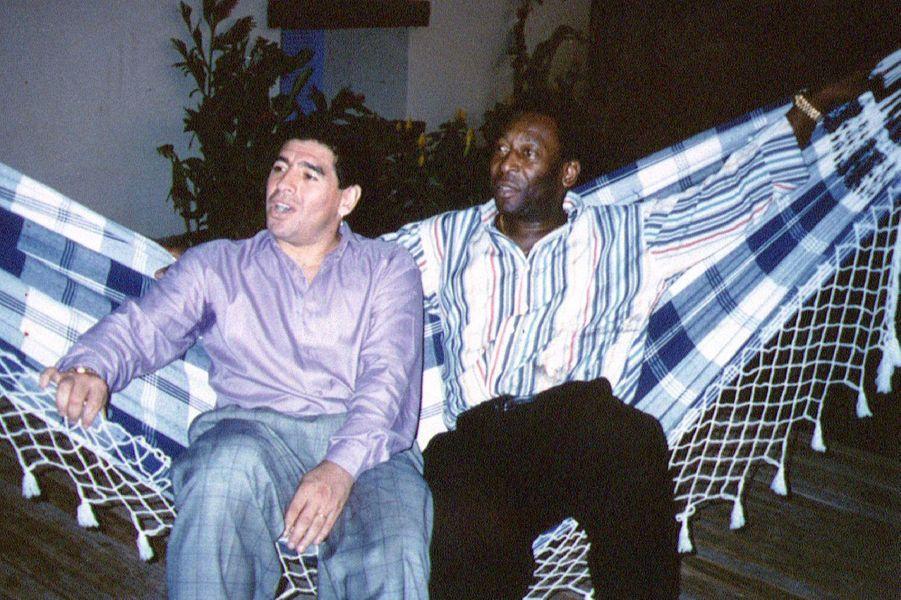 Diego Maradona et Pelé en 1995.