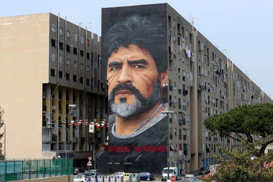 Diego Maradona sur les murs de la ville de Naples.