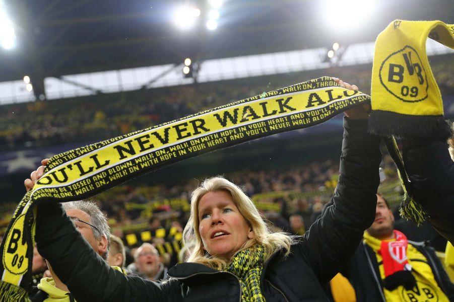 Les joueurs de Dortmund jamais seuls