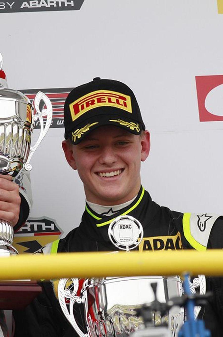 Le fils de Michael Schumacher a été élu meilleur débutant en Formule 4