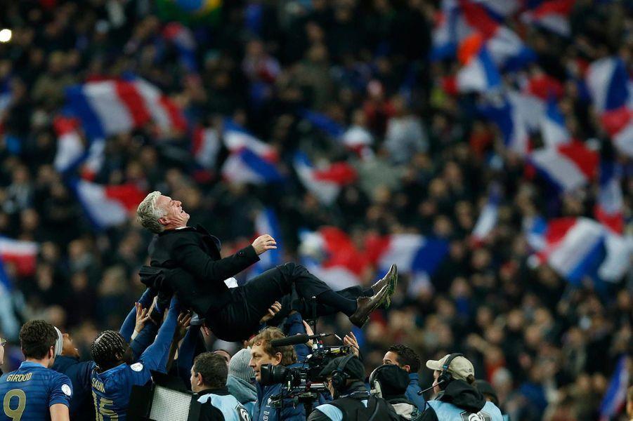 Didier Deschamps entraîneur heureux après la qualification pour la Coupe du Monde