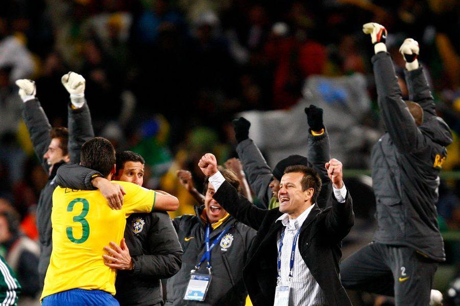 Dunga entraîneur heureux après la victoire en Coupe des confédérations