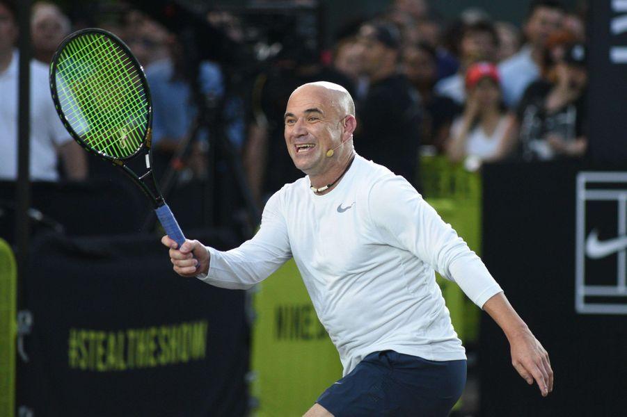 Andre Agassi à New York pour l'événement Nike Street Tennis