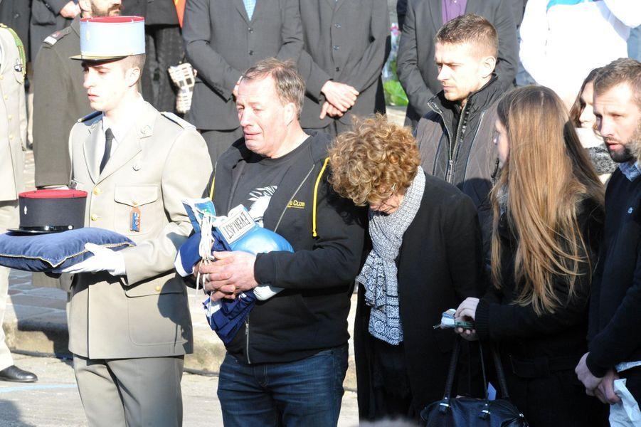 Le clan Vastine aux obsèques du boxeur, le 25 mars à Pont-Audemer