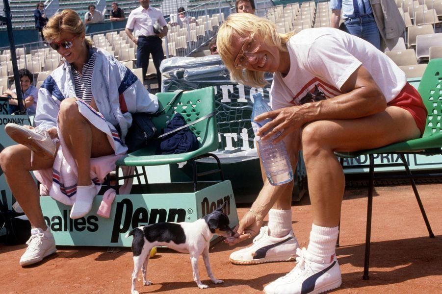 Juin 1985, Martina Navratilova en entraînement avec son chien