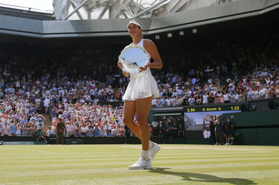 Serena Williams s'impose à Wimbledon