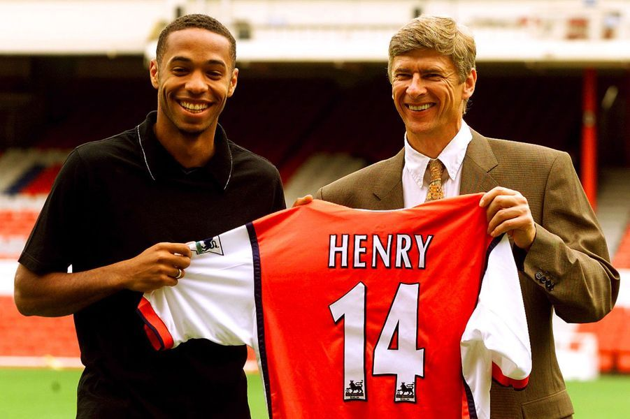 Il signe avec Arsenal en 1999