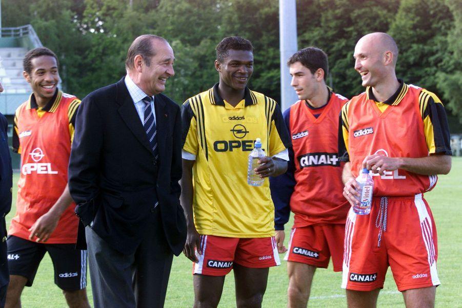 Les Bleus rencontrent Jacques Chirac avant la Coupe du monde en 1998