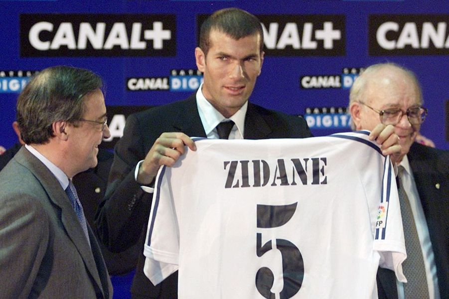 2001. Signature au Real Madrid