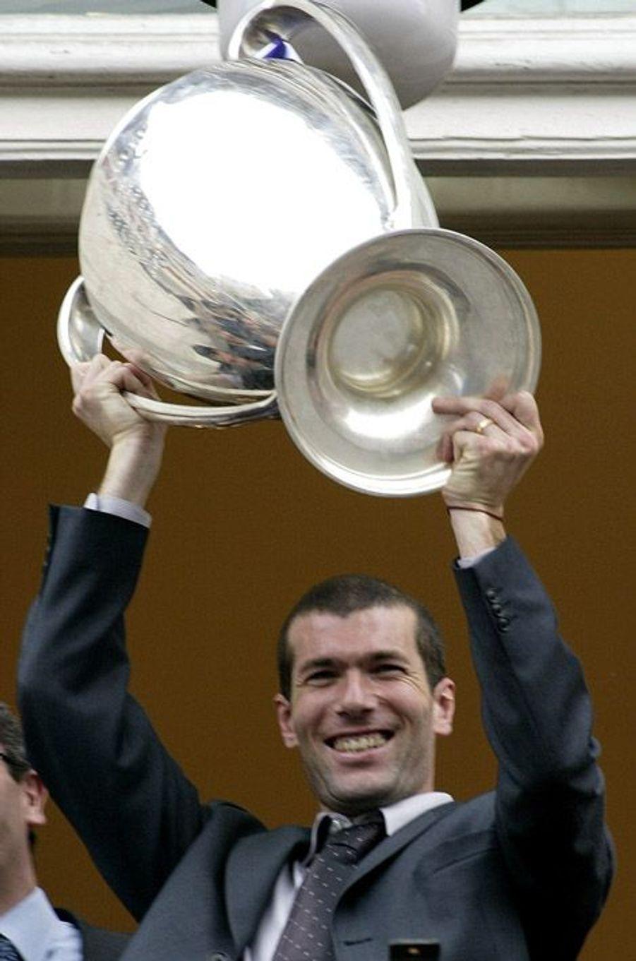 2002. La victoire en Ligue des Champions