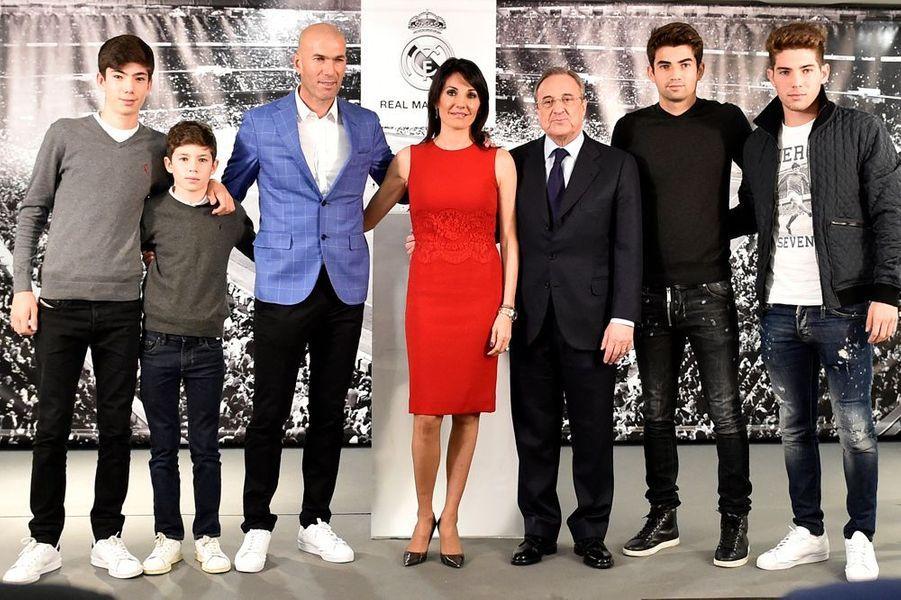 5 janvier 2016. Avec sa famille et Florentino Perez