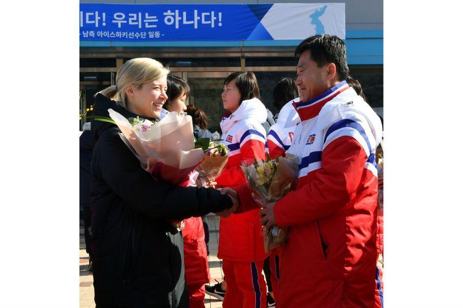 Les hockeyeuses nord-coréennes sont arrivées au Sud pour préparer les Jeux Olympiques, le 25 janvier 2018.