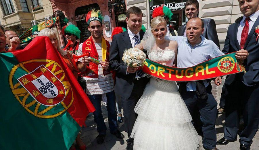 Un groupe de supporters portugais.