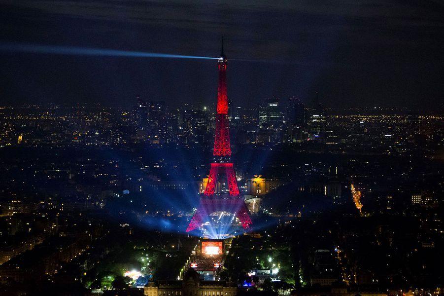 80 000 personnes ont assisté au concert de David Guetta au pied de la Tour Eiffel