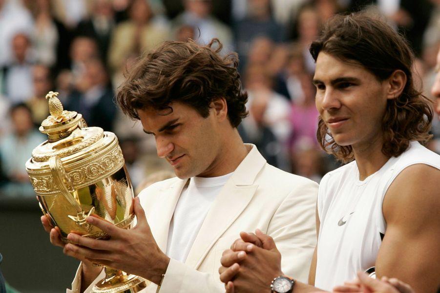 Première finale de Wimbledon entre les deux joueurs en 2006 : Victoire de Roger Federer.