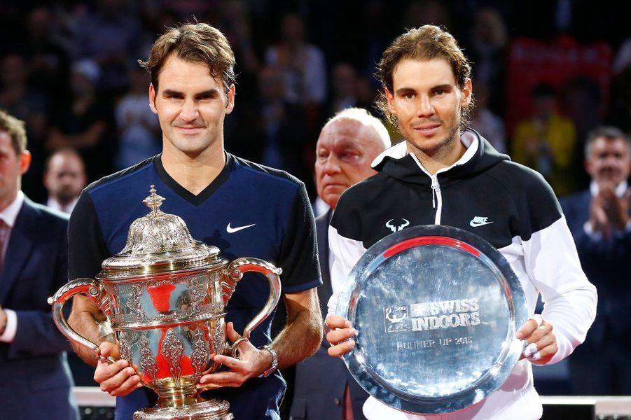 Roger Federer domine Rafael Nadal en finale du tournoi de Bâle en novembre 2015.