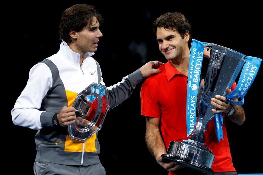 Roger Federer domine Rafael Nadal en finale du Masters en 2010.