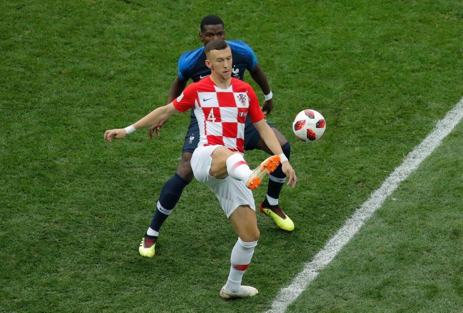 France Croatie : La Finale De La Coupe Du Monde De Football En Direct Et En Photos ( 10