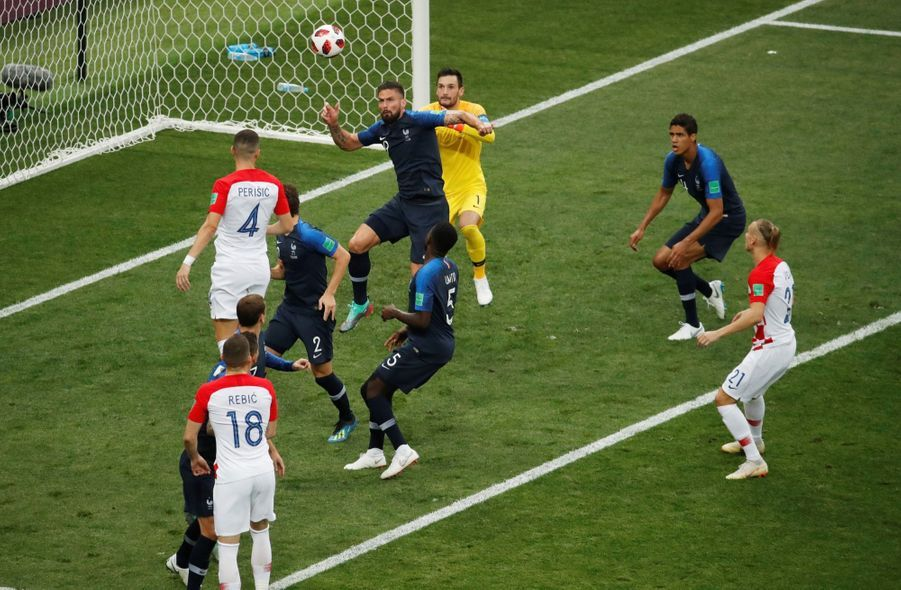 France Croatie : La Finale De La Coupe Du Monde De Football En Direct Et En Photos ( 19