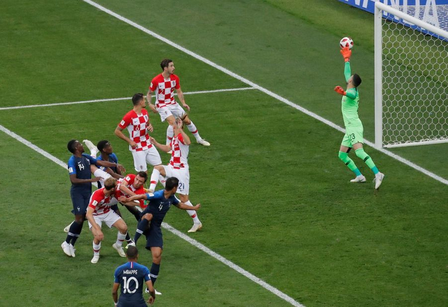 France Croatie : La Finale De La Coupe Du Monde De Football En Direct Et En Photos ( 24