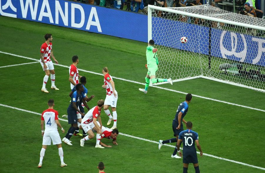 France Croatie : La Finale De La Coupe Du Monde De Football En Direct Et En Photos ( 29