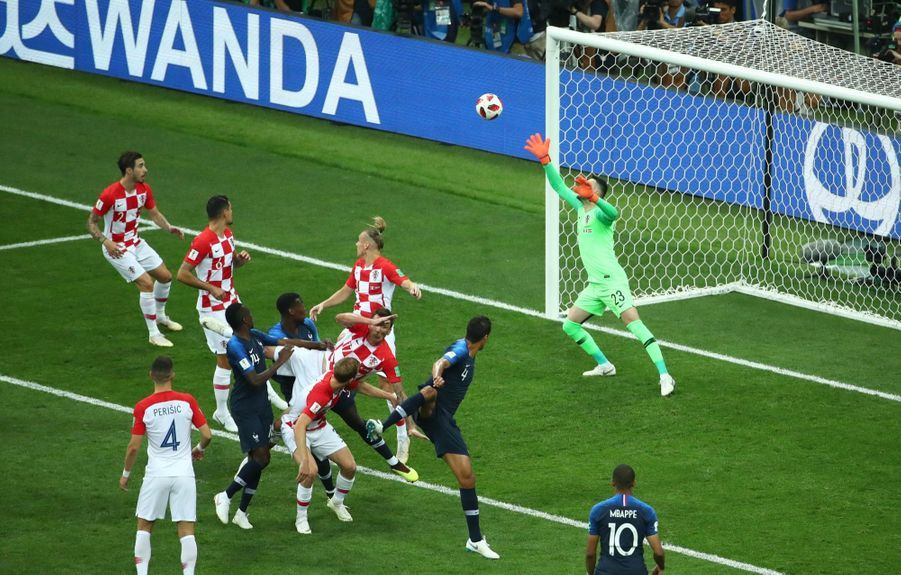France Croatie : La Finale De La Coupe Du Monde De Football En Direct Et En Photos ( 30
