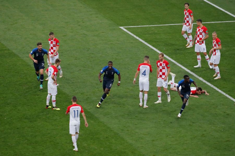 France Croatie : La Finale De La Coupe Du Monde De Football En Direct Et En Photos ( 32