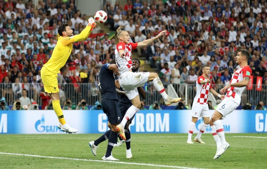France Croatie : La Finale De La Coupe Du Monde De Football En Direct Et En Photos ( 36