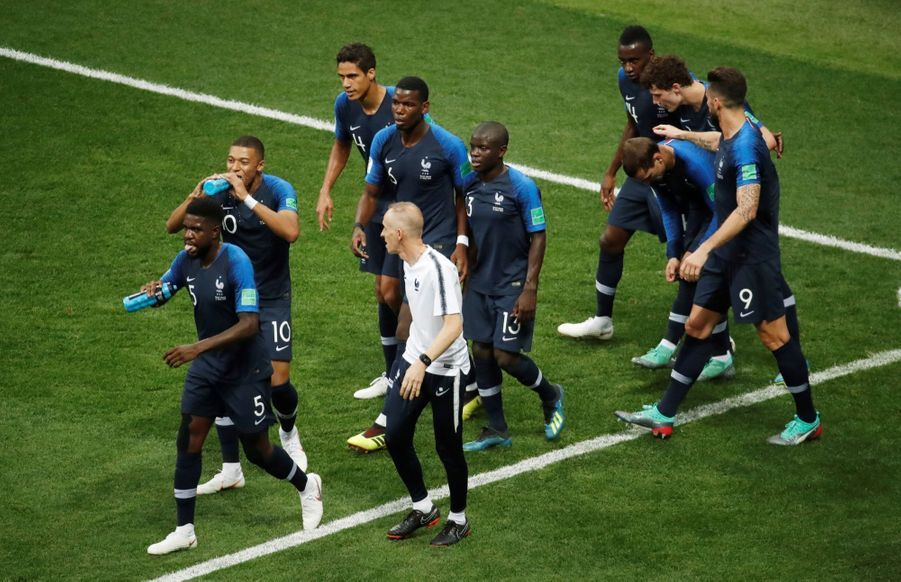 France Croatie : La Finale De La Coupe Du Monde De Football En Direct Et En Photos ( 38