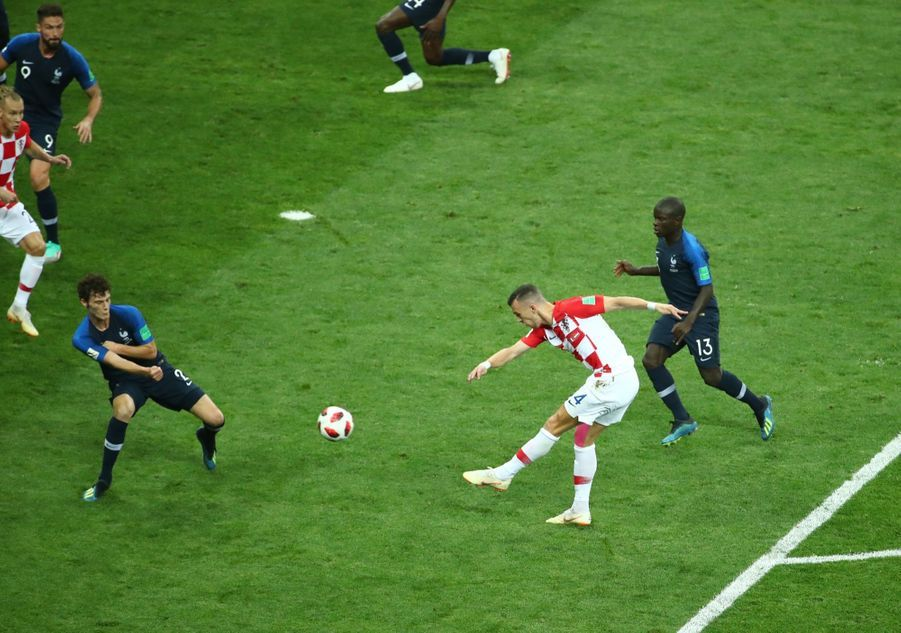 France Croatie : La Finale De La Coupe Du Monde De Football En Direct Et En Photos ( 40