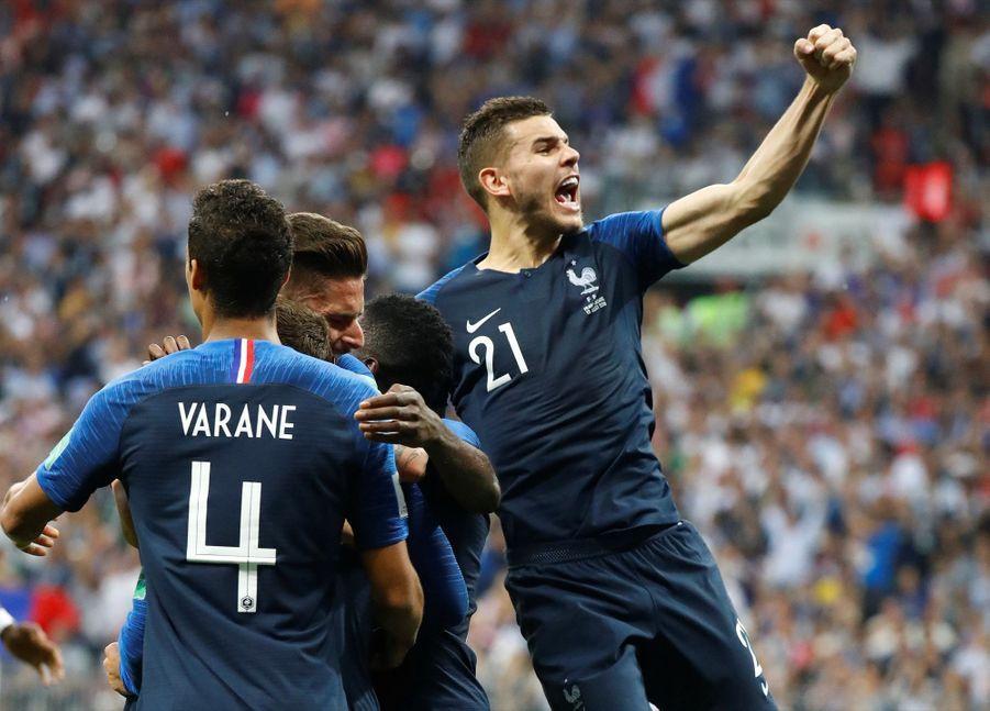 France Croatie : La Finale De La Coupe Du Monde De Football En Direct Et En Photos ( 54