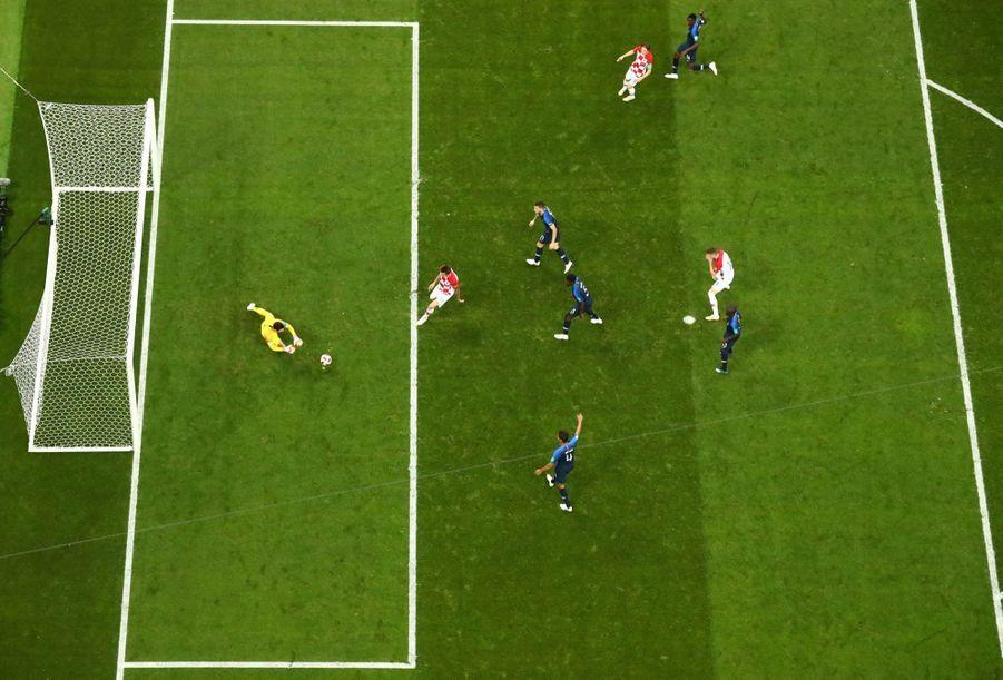 France Croatie : La Finale De La Coupe Du Monde De Football En Direct Et En Photos ( 56