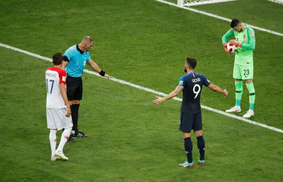 France Croatie : La Finale De La Coupe Du Monde De Football En Direct Et En Photos ( 57